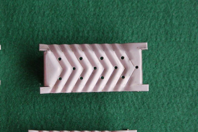 波紋導向浮閥